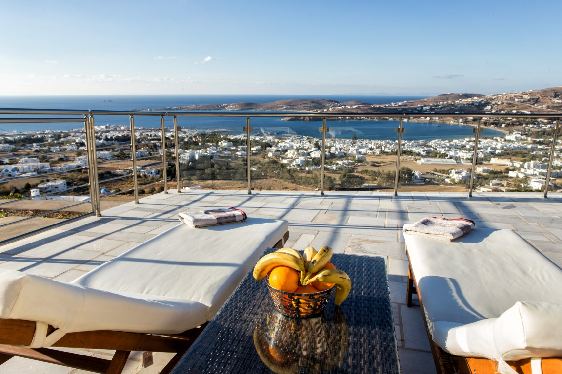 Studios & Apartments in Paros